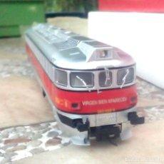 Trenes Escala: LOCOMOTORA ELECTROTREN SERIE 353. Lote 215984100