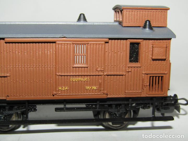 Trenes Escala: Antiguo Furgón de Equipajes y Correos en Escala *H0* de ELECTROTREN - Foto 5 - 219507287