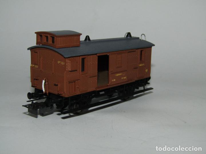 Trenes Escala: Antiguo Furgón de Equipajes y Correos en Escala *H0* de ELECTROTREN - Foto 6 - 219507287