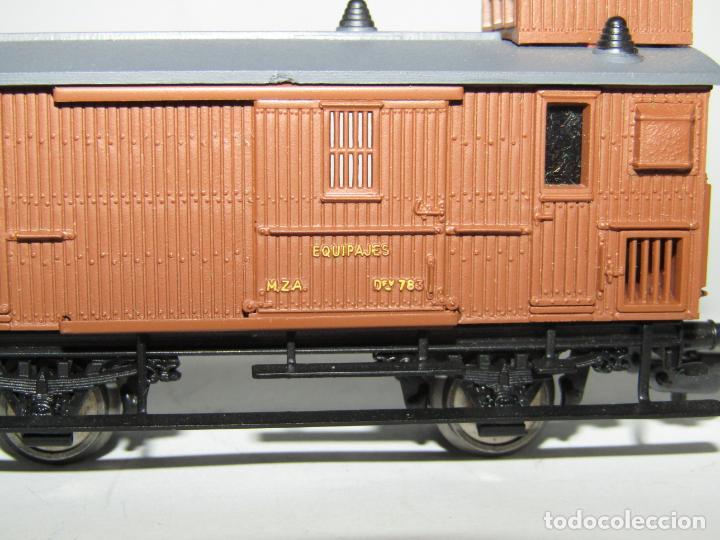 Trenes Escala: Antiguo Furgón de Equipajes y Correos en Escala *H0* de ELECTROTREN - Foto 9 - 219507287
