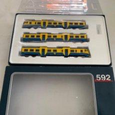Trenes Escala: ELECTROTREN. HO. AUTOMOTOR 592 CAMELLO AZUL-AMARILLO EPOCA IV DIGITAL. Lote 222129757