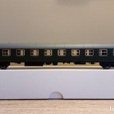 Trenes Escala: CLUB ELECTROTREN H0 COCHE S/8000 1ª CLASE RENFE AA-8089, REFERENCIA 18017 K.. Lote 233961210