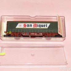 Trains Échelle: VAGÓN CERRADO CON TOLDOS LATERALES REF. 1412K CERVEZA SAN MIGUEL ESCALA *H0* DE ELECTROTREN. Lote 241928680