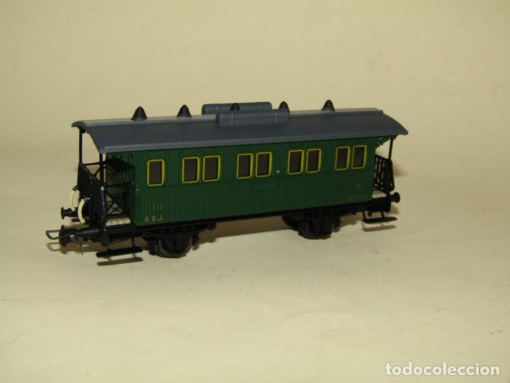 Trenes Escala: Antiguo Coche 3ª Clase MZA Cffv Verde Ref. 1511K en Escala *H0* 1/87 de ELECTROTREN - Foto 2 - 243214865