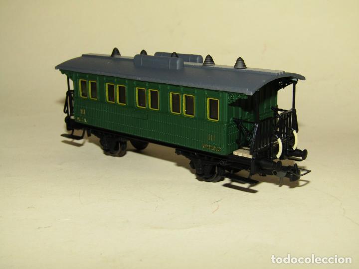 Trenes Escala: Antiguo Coche 3ª Clase MZA Cffv Verde Ref. 1511K en Escala *H0* 1/87 de ELECTROTREN - Foto 3 - 243214865