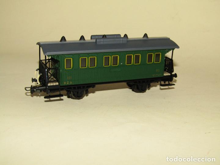 Trenes Escala: Antiguo Coche 3ª Clase MZA Cffv Verde Ref. 1511K en Escala *H0* 1/87 de ELECTROTREN - Foto 5 - 243214865