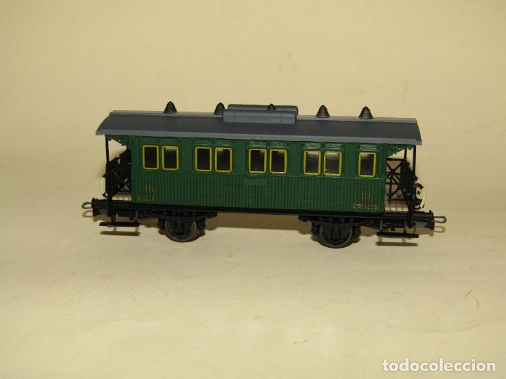 Trenes Escala: Antiguo Coche 3ª Clase MZA Cffv Verde Ref. 1511K en Escala *H0* 1/87 de ELECTROTREN - Foto 6 - 243214865