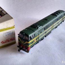 Trenes Escala: ELECTROTREN H0, LOCOMOTORA DIESEL RENFE 333 REF 201, FUNCIONA. EN CAJA. Lote 253918835