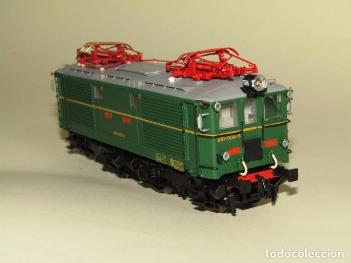 Trenes Escala: Locomotora Eléctrica RENFE 281 Ref. 2753 en Escala *H0* de ELECTROTREN - Foto 9 - 256057065
