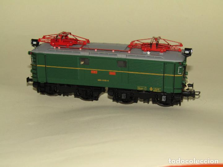 Trenes Escala: Locomotora Eléctrica RENFE 281 Ref. 2753 en Escala *H0* de ELECTROTREN - Foto 11 - 256057065