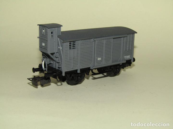 Trenes Escala: Antiguo Vagón Cerrado Unificado con Garita de RENFE en Escala *H0* Ref. 854 de ELECTROTREN - Foto 5 - 257494465