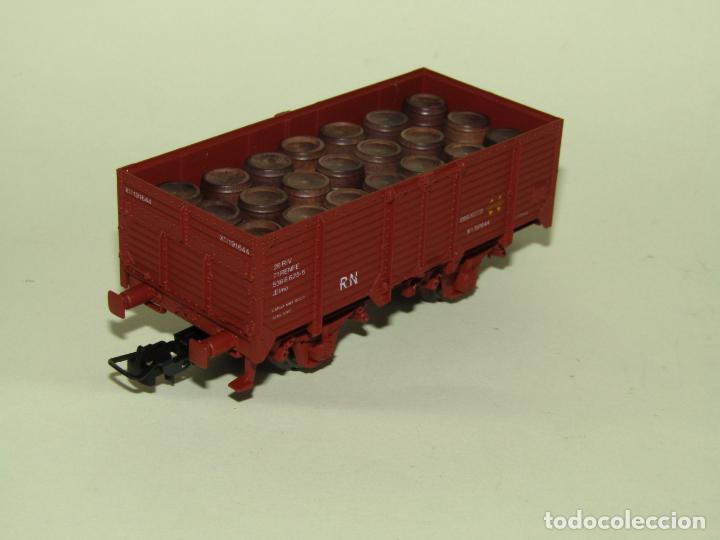 Trenes Escala: Antiguo Vagón Borde Alto RENFE con 21 Barriles Toneles en Escala *H0* Ref. 1922 de ELECTROTREN - Foto 4 - 257527730