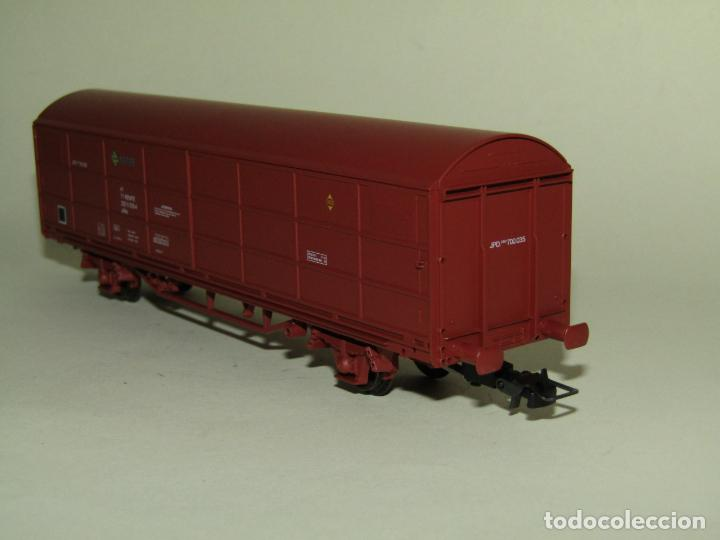 Trenes Escala: Vagón Cerrado JPD RENFE Época 4 en Escala *H0* Ref. 1751K de ELECTROTREN - Foto 4 - 257528790