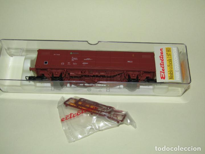 Trenes Escala: Vagón Cerrado JPD RENFE Época 4 en Escala *H0* Ref. 1751K de ELECTROTREN - Foto 5 - 257528790