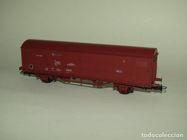 Trenes Escala: Vagón Cerrado JPD RENFE Época 4 en Escala *H0* Ref. 1751K de ELECTROTREN - Foto 6 - 257528790