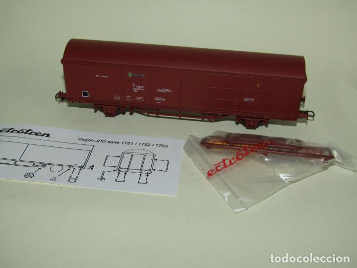 Trenes Escala: Vagón Cerrado JPD RENFE Época 4 en Escala *H0* Ref. 1751K de ELECTROTREN - Foto 7 - 257528790