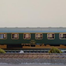 Trenes Escala: ELECTROTREN (ALTAYA) H0 COCHE DE VIAJEROS 1ª CLASE, S/8000 AA - 8044, DE RENFE, S/R.. Lote 263203335