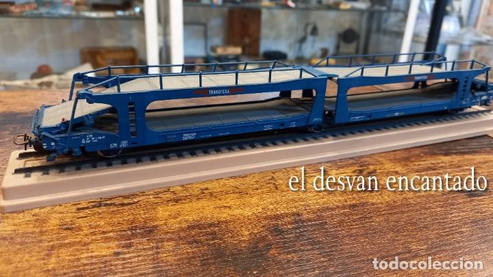 Trenes Escala: Electrotren HO. Doble vagón transporte coches TRANSFESA sobre via expositora. VER FOTOS - Foto 2 - 278369678