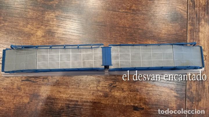 Trenes Escala: Electrotren HO. Doble vagón transporte coches TRANSFESA sobre via expositora. VER FOTOS - Foto 5 - 278369678