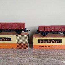 Trenes Escala: ELECTROTREN H0 PAREJA DE VAGONES MERCANTES CON BORDES BAJOS Y ALTOS, DE RENFE.. Lote 295544203