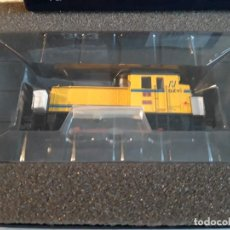 Trenes Escala: ELECTROTREN 3806 LOCOMOTORA 303 AZVI. Lote 296611658