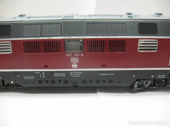 Trenes Escala: Fleischmann Ref: 4235 - Locomotora Diesel de la DB 221 131-6 corriente continua - Escala H0 - Foto 3 - 61728840