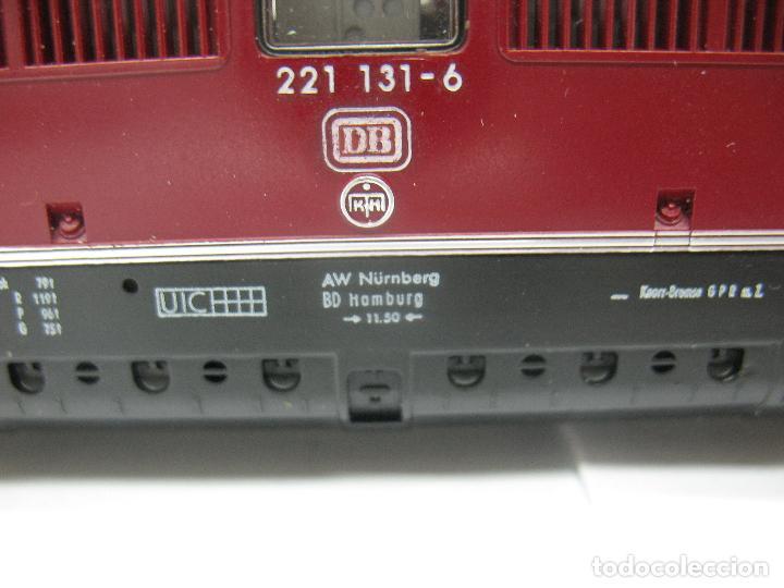 Trenes Escala: Fleischmann Ref: 4235 - Locomotora Diesel de la DB 221 131-6 corriente continua - Escala H0 - Foto 4 - 61728840