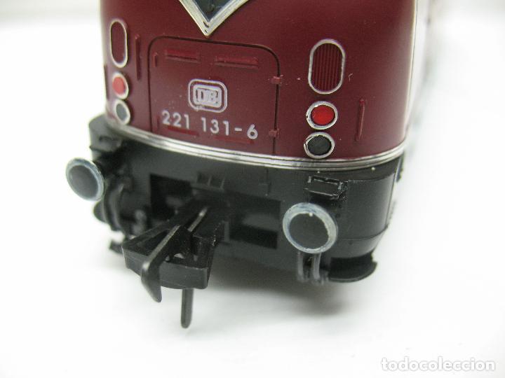 Trenes Escala: Fleischmann Ref: 4235 - Locomotora Diesel de la DB 221 131-6 corriente continua - Escala H0 - Foto 8 - 61728840