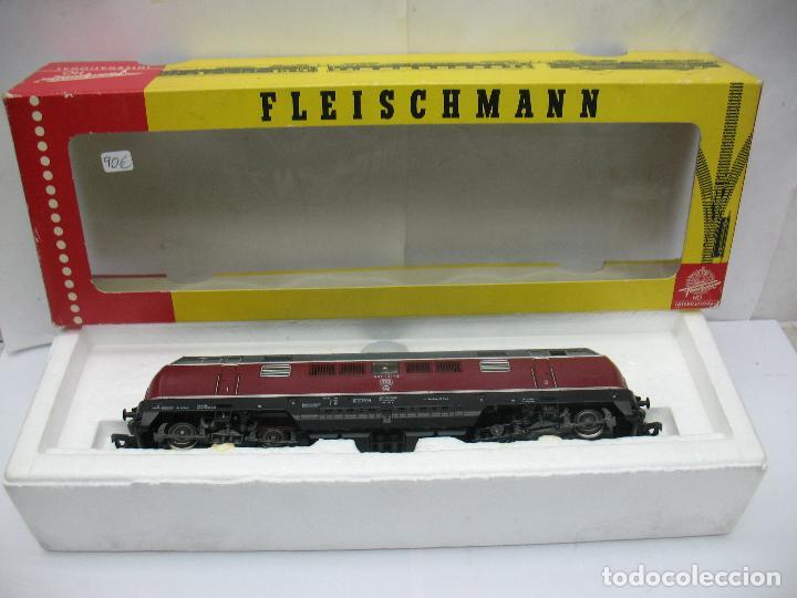 Trenes Escala: Fleischmann Ref: 4235 - Locomotora Diesel de la DB 221 131-6 corriente continua - Escala H0 - Foto 11 - 61728840
