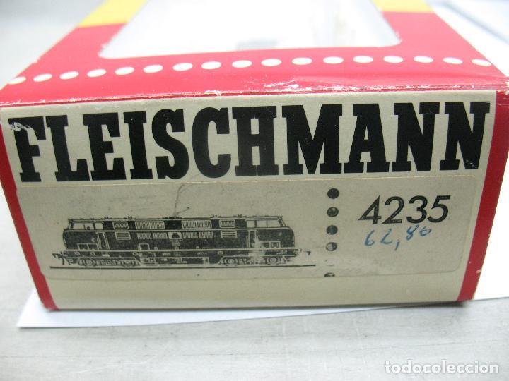 Trenes Escala: Fleischmann Ref: 4235 - Locomotora Diesel de la DB 221 131-6 corriente continua - Escala H0 - Foto 12 - 61728840