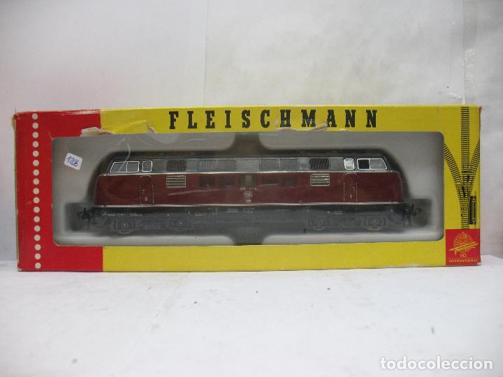 Trenes Escala: FLEISCHMANN Ref: 1384 - Locomotora diésel corriente continua de la DB - Escala H0 - Foto 2 - 68122277