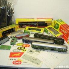 Trains Échelle: LOTE TREN FLEISCHMANN, 2 MÁQUINAS, VAGONES, VIAS Y ACCESORIOS, AÑOS 60. Lote 68762065