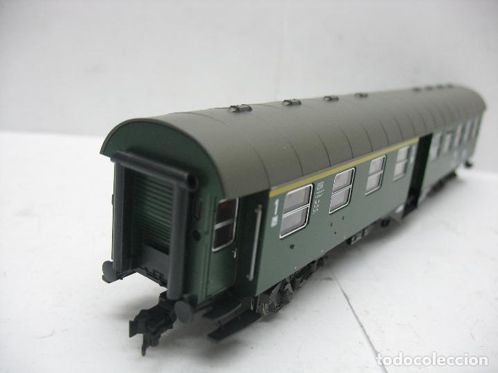 Trenes Escala: Fleischmann Ref: 5128 - Coche de pasajeros de la DB 50 80 38 - 11 189-6 - Escala H0 - Foto 6 - 106907371