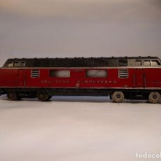 Trenes Escala: FLEISCHMANN 1381 LOCOMOTORA DIESEL V200, ESCALA H0, CORRIENTE CONTINÚA. Lote 117387867