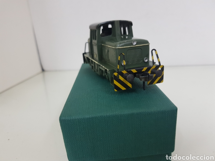 Trenes Escala: Locomotora Fleischmann corta tractora escala H0 corriente continua de 12 cm en verde - Foto 2 - 174547448