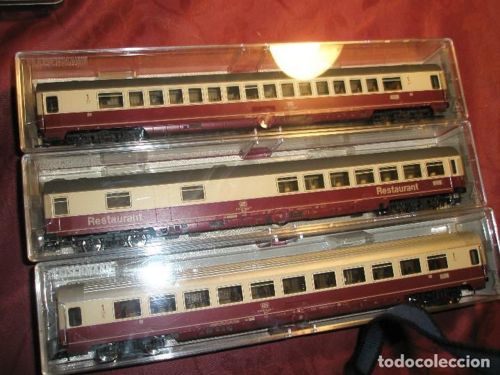 Trenes Escala: LOTE 3 TRES VAGONES DE PASAJEROS COLOR BURDEOS NUEVOS A ESTRENAR.REF: 5661..5662..5663 - Foto 2 - 154389702