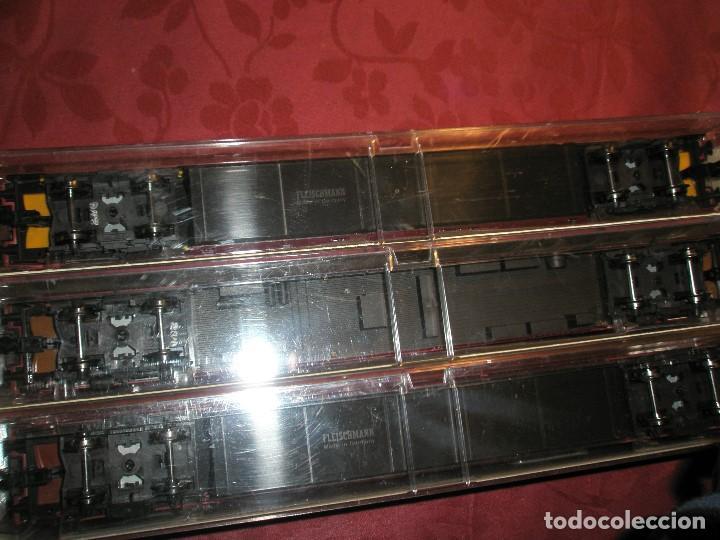 Trenes Escala: LOTE 3 TRES VAGONES DE PASAJEROS COLOR BURDEOS NUEVOS A ESTRENAR.REF: 5661..5662..5663 - Foto 3 - 154389702