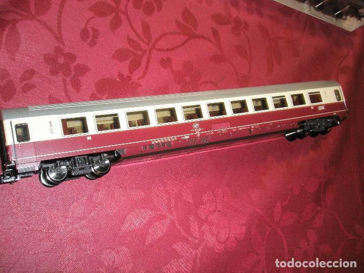 Trenes Escala: LOTE 3 TRES VAGONES DE PASAJEROS COLOR BURDEOS NUEVOS A ESTRENAR.REF: 5661..5662..5663 - Foto 4 - 154389702