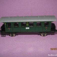 Trenes Escala: ANTIGUO COCHE DE VIAJEROS CON BALCONCILLOS EN ESCALA *H0* DE FLEISCHMANN. Lote 171789168