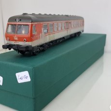 Trenes Escala: FLEISCHMANN LOCOMOTORA DE PRIMERA Y SEGUNDA CLASE ALEMANA DE LA DB CONTINUA DE 27 CM ESCALA H0. Lote 177485163