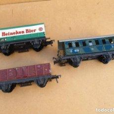 Trenes Escala: FLEISCHMAN TRES VAGONES ANTIGUOS HOJALATA Y PLASTICO. Lote 179212420