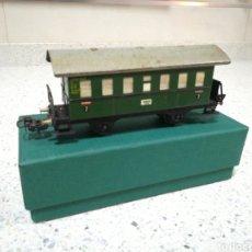 Trenes Escala: ANTIGUO VAGÓN METÁLICO FLEISCHMANN SEGUNDA CLASE DE PASAJEROS. Lote 186348008