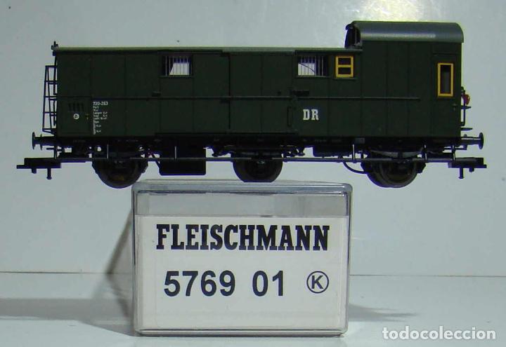 FLEISCHMANN VAGON EQUIPAJES DE LA DR CON LUZ DE COLA EPOCA III REF 576901 (Juguetes - Trenes Escala H0 - Fleischmann H0)