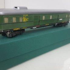 Trenes Escala: VAGÓN METÁLICO FLEISCHMANN CON TECHO PLATEADO DE MERCANCÍAS VERDE 4 PUERTAS CORREDERAS 24 CMS. Lote 194065598