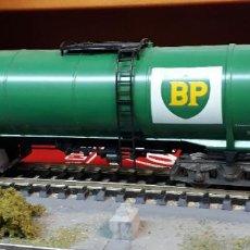 Trenes Escala: FLEISCHMANN H0 VAGÓN GRAN CISTERNA DE BOGIES, DE LA DEUTSCHE BP AG, REFERENCIA 5472.. Lote 207765681