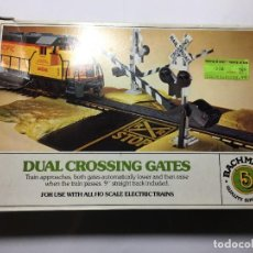 Trenes Escala: BARRERAS DOBLES DE CRUCE DE TREN DE BACHMANN. Lote 223976788