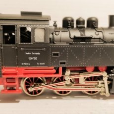 Trenes Escala: KEATON LOCOMOTORA VAPOR FLEISCHMANN H0 REF 1321 (4029) DB BR 80 005. Lote 240464390