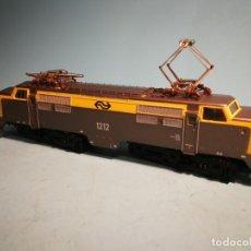 Trenes Escala: LOCOMOTORA FLEISCHMANN ELÉCTRICA SIN CAJA. Lote 241094260