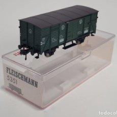 Trenes Escala: FLEISCHMANN H0 5351- VAGÓN MERCANCÍAS CERRADO VERDE. Lote 270147633