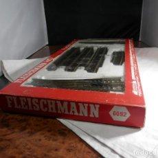Trenes Escala: SET DE VIAS ESCALA HO DE FLEISCHMANN. Lote 274559948